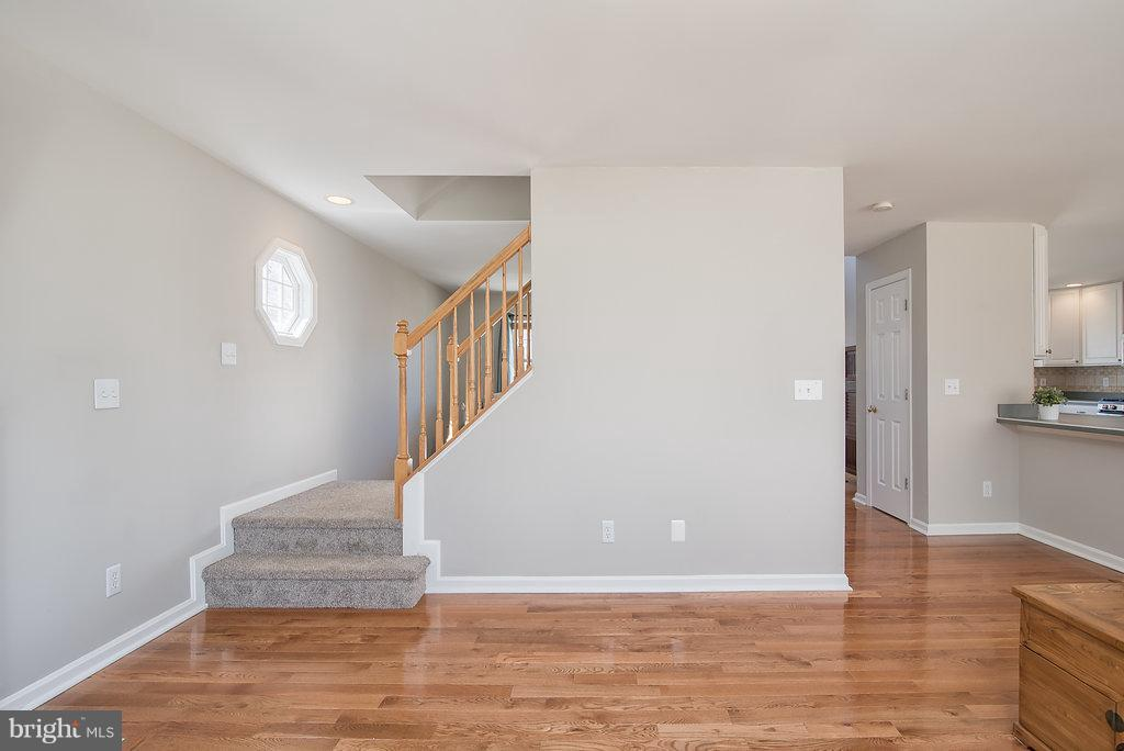 Fresh neutral paint throughout the entire home - 7 BURNINGBUSH CT, STAFFORD