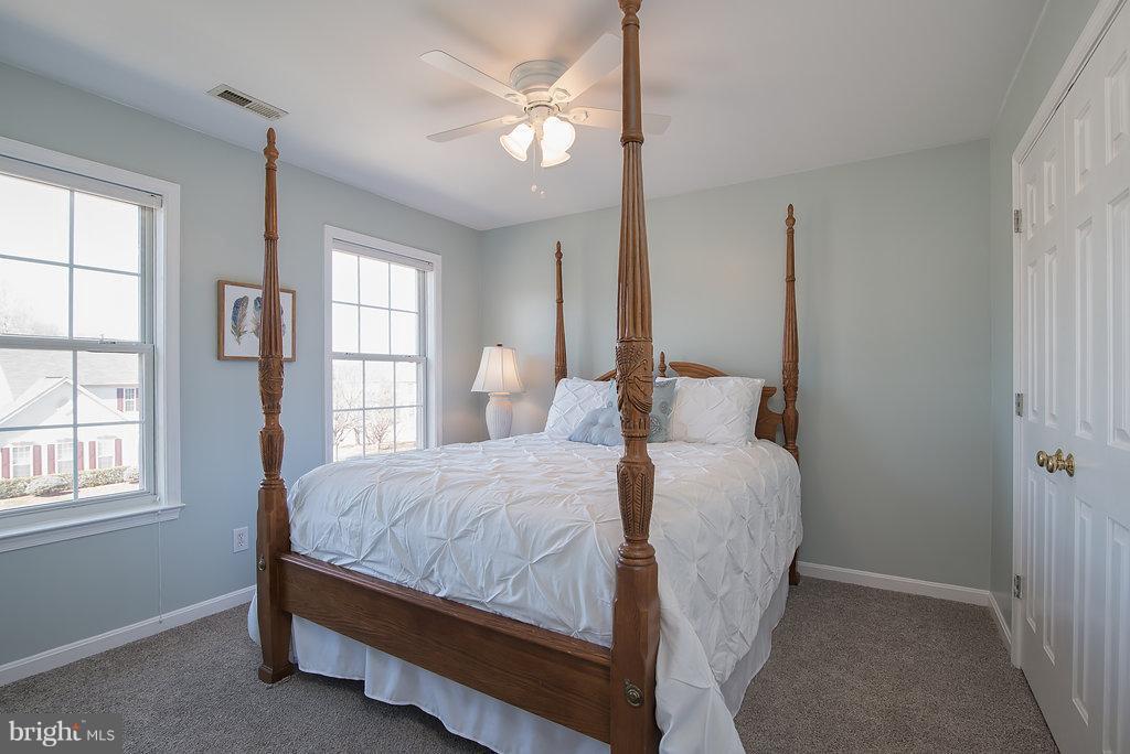 Good sized bedroom #3 - 7 BURNINGBUSH CT, STAFFORD