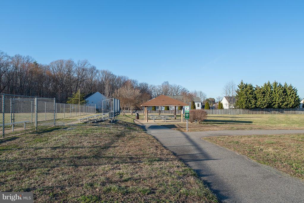 Community Picnic Area - 7 BURNINGBUSH CT, STAFFORD