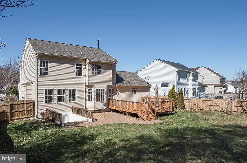 Walkout bsmt to your 18x18 deck and 15x15 Patio - 7 BURNINGBUSH CT, STAFFORD