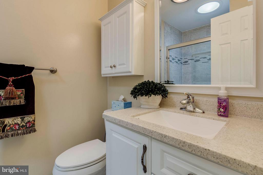 Bath Master - 7411 CALICO CT, SPRINGFIELD