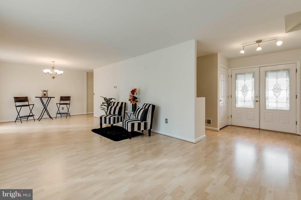 Living Room - 7411 CALICO CT, SPRINGFIELD