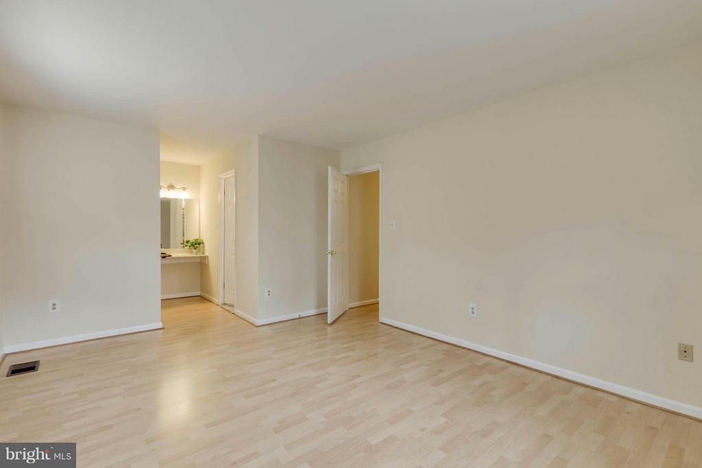 Bedroom (Master) - 7411 CALICO CT, SPRINGFIELD