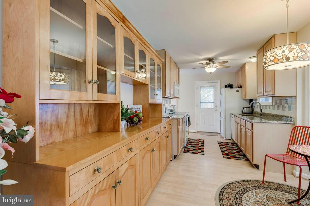 Kitchen - 7411 CALICO CT, SPRINGFIELD