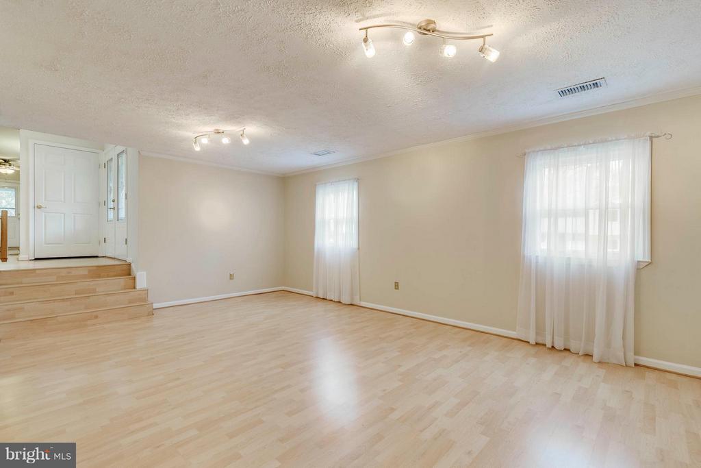 Family Room - 7411 CALICO CT, SPRINGFIELD