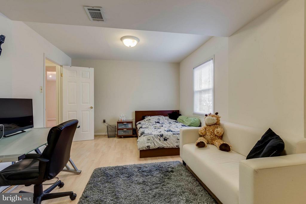 Bedroom 5 - 7411 CALICO CT, SPRINGFIELD
