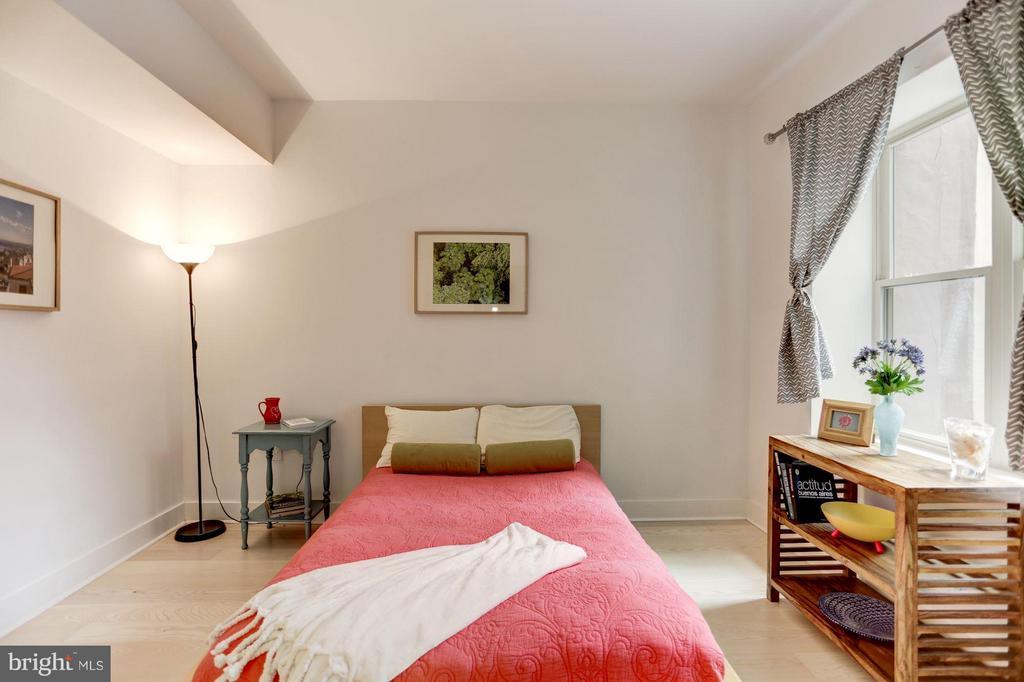 Bedroom with plenty of room - 3606 ROCK CREEK CHURCH RD NW #101, WASHINGTON
