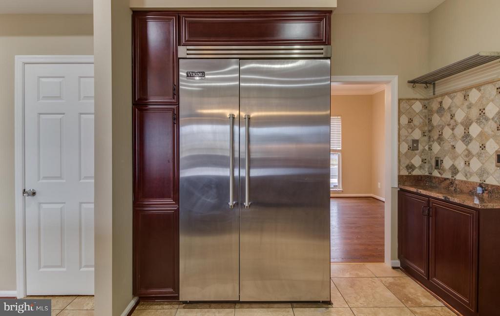 Stainless Steel Viking Refrigerator - 15529 WIGEON WAY, WOODBRIDGE
