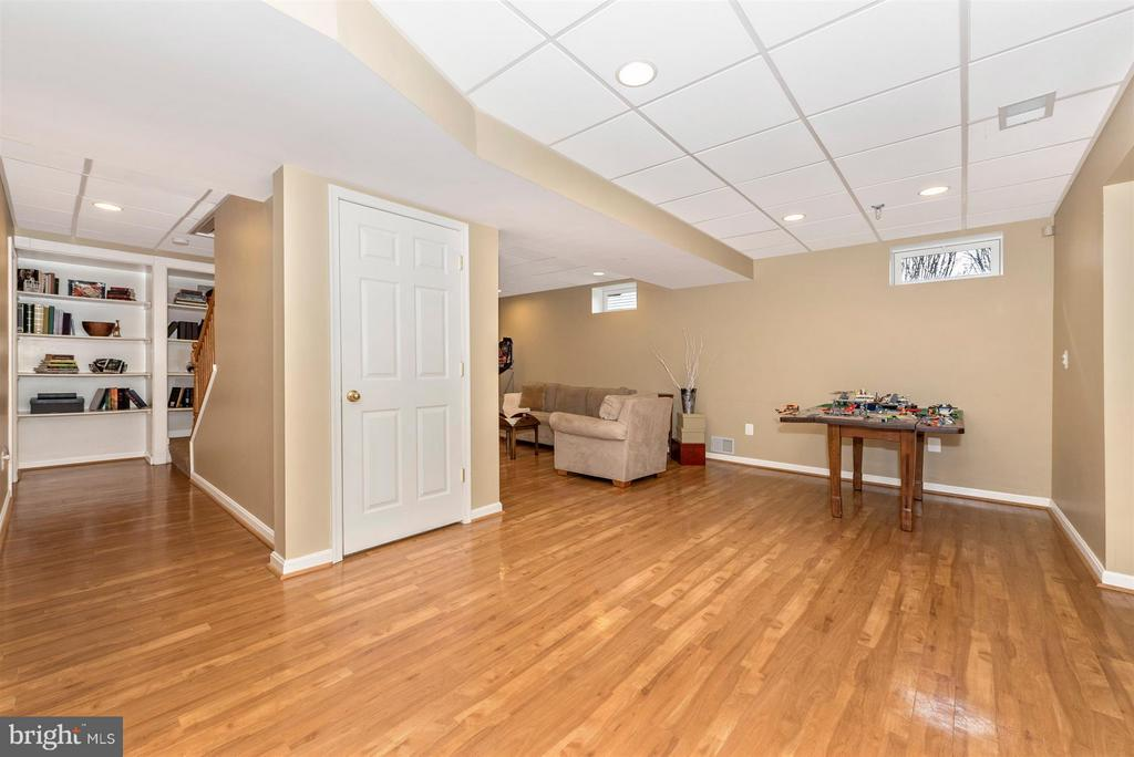 Storage, and extra rooms to do what you choose! - 6472 SADDLEBROOK LN, FREDERICK