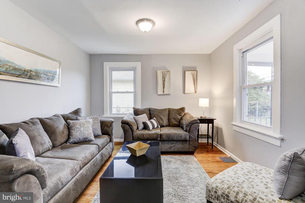 Living Room - 1112 50TH ST NE, WASHINGTON