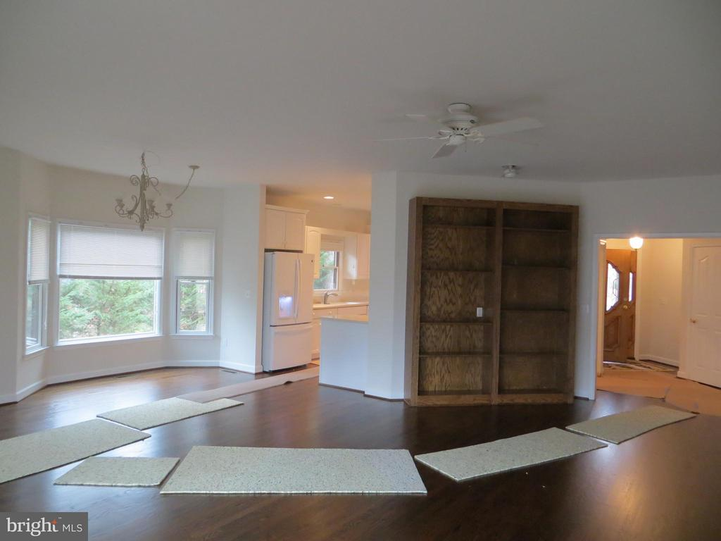 View from Liv to Din & Foyer - 102 MARBLE CT, LOCUST GROVE