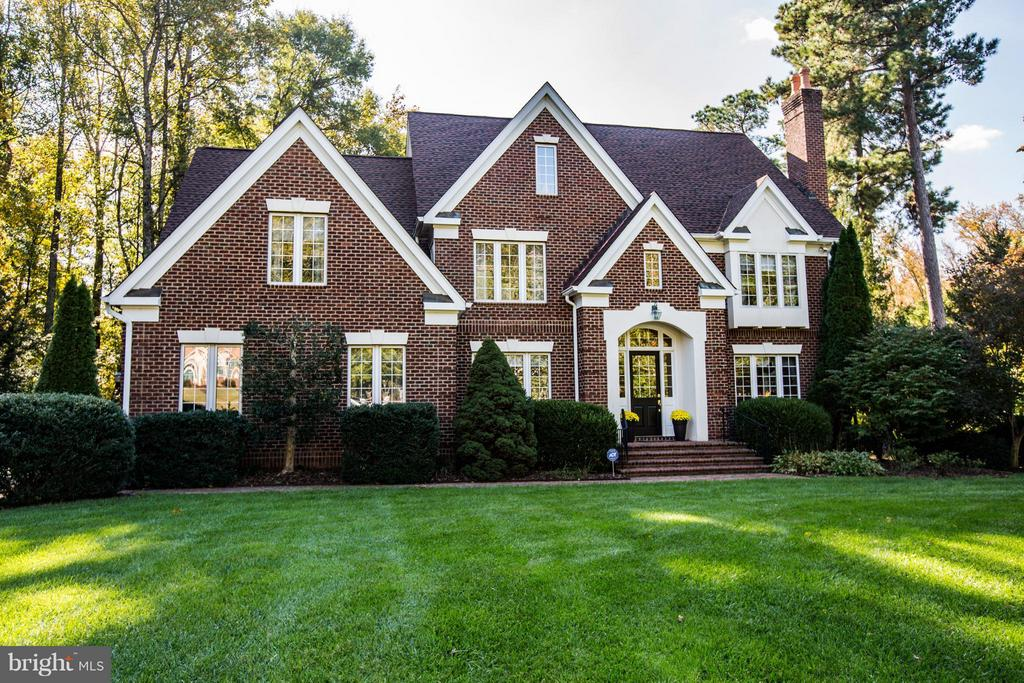 Gorgeous all brick and stucco home. - 12707 WILLOW POINT DR, FREDERICKSBURG