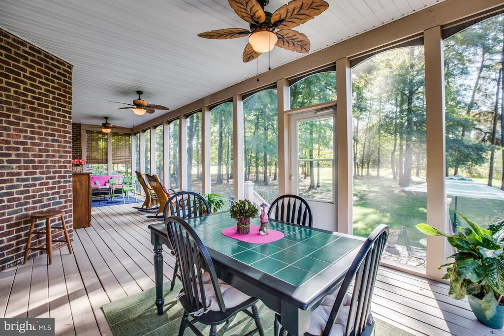 Enjoy your beautiful backyard without bugs. - 12707 WILLOW POINT DR, FREDERICKSBURG