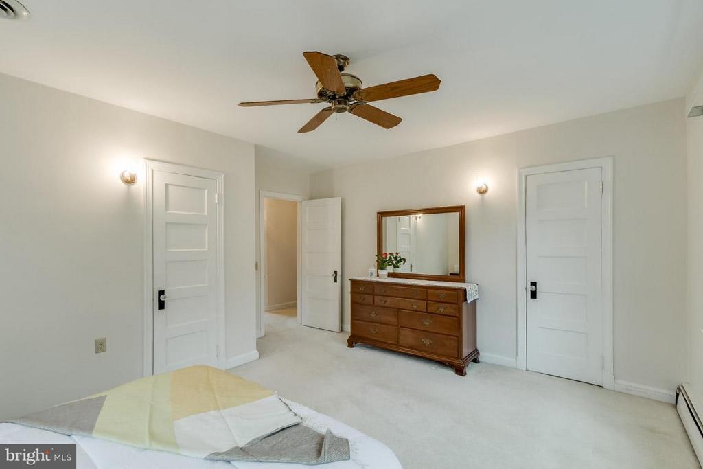 Master Bedroom - 6505 WAVERLEY ST, ALEXANDRIA