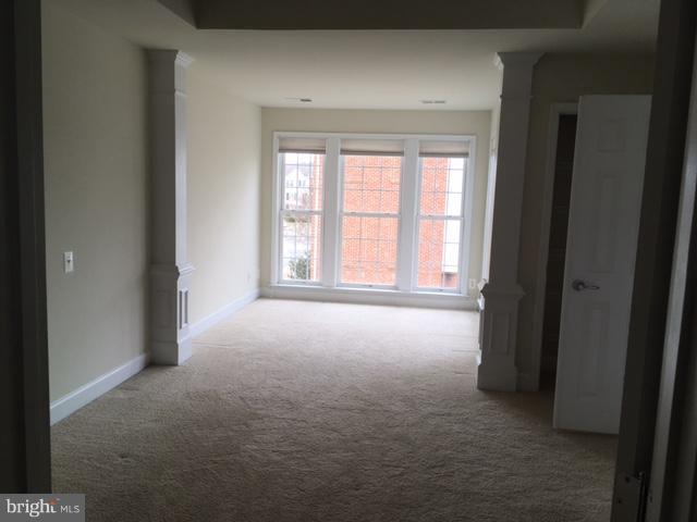 Bedroom (Master) - 231 GREAT LAUREL SQ SE, LEESBURG