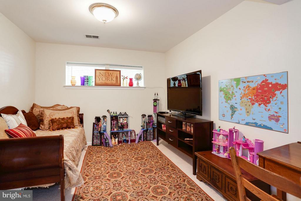 Basement Den/4th (not to code) bedroom - 7655 HENRY KNOX DR, LORTON