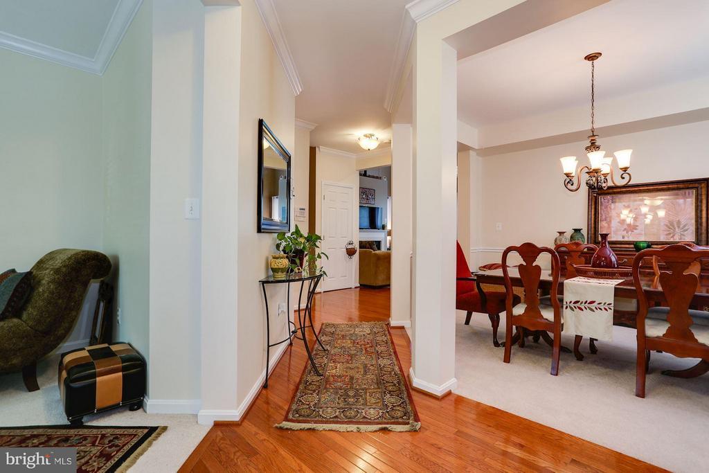 Bright Foyer with Hardwood - 7655 HENRY KNOX DR, LORTON