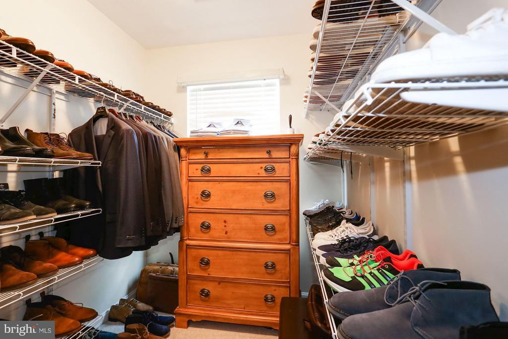 Spacious Walk-In Master Closet - 7655 HENRY KNOX DR, LORTON