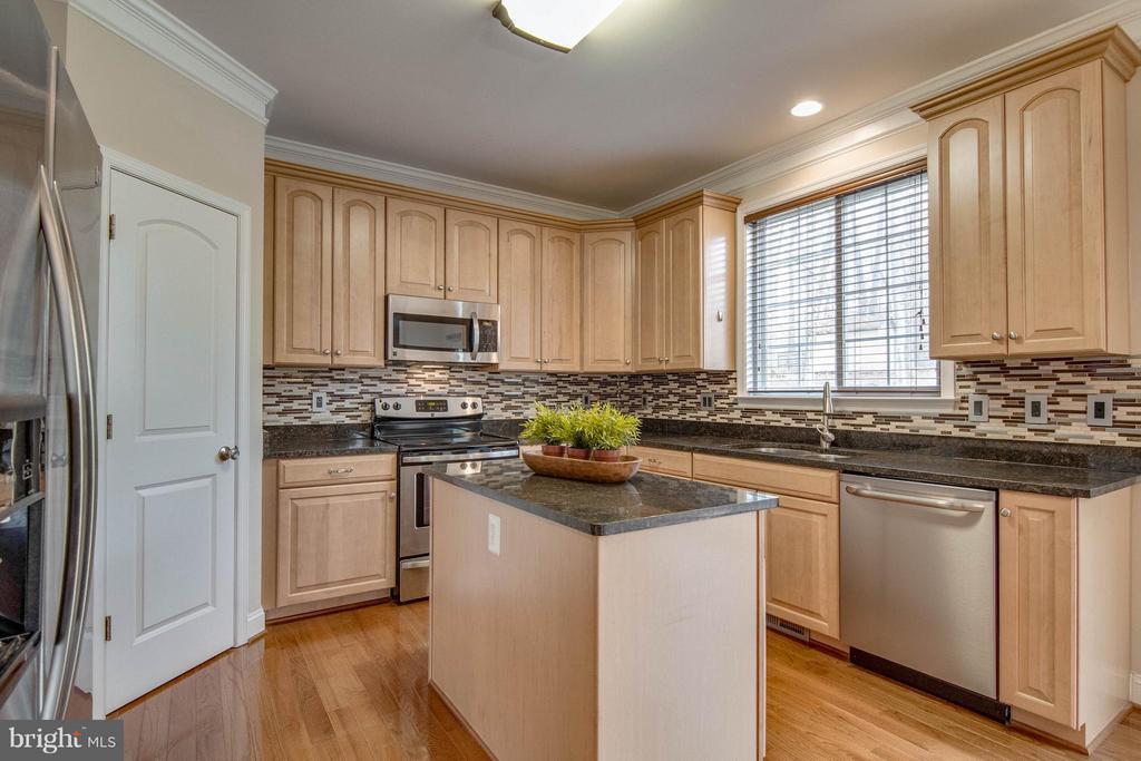 Kitchen - 11809 MOLAIR RD, MANASSAS