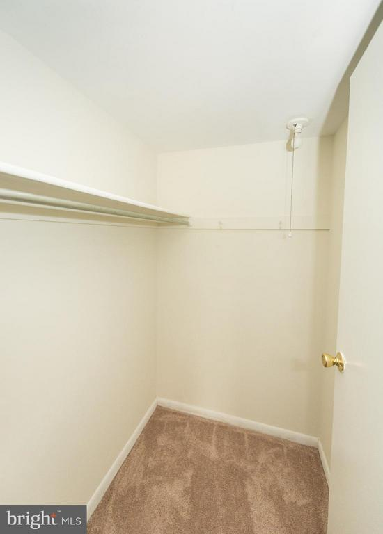 With Spacious closet for 2nd bedroom - 11252 CHESTNUT GROVE SQ #346, RESTON