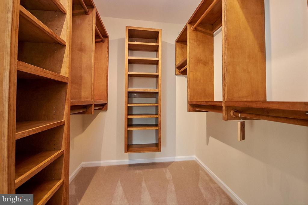 Custom closet organizer - 8397 CLEVELAND BAY CT, GAINESVILLE