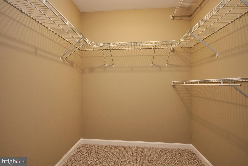 Huge walk in closet located in 5th bedroom - 8397 CLEVELAND BAY CT, GAINESVILLE