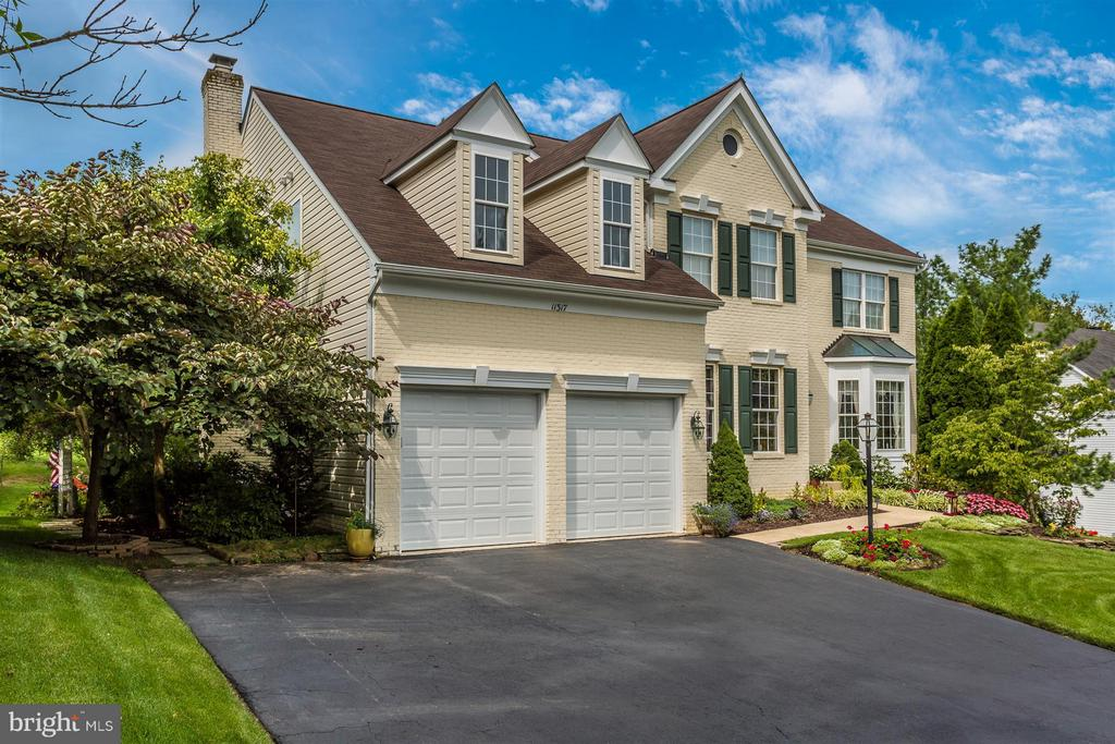 Oversized driveway. - 11317 SANANDREW DR, NEW MARKET