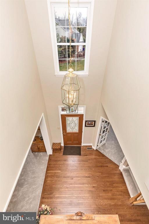 2 story open foyer. - 11317 SANANDREW DR, NEW MARKET