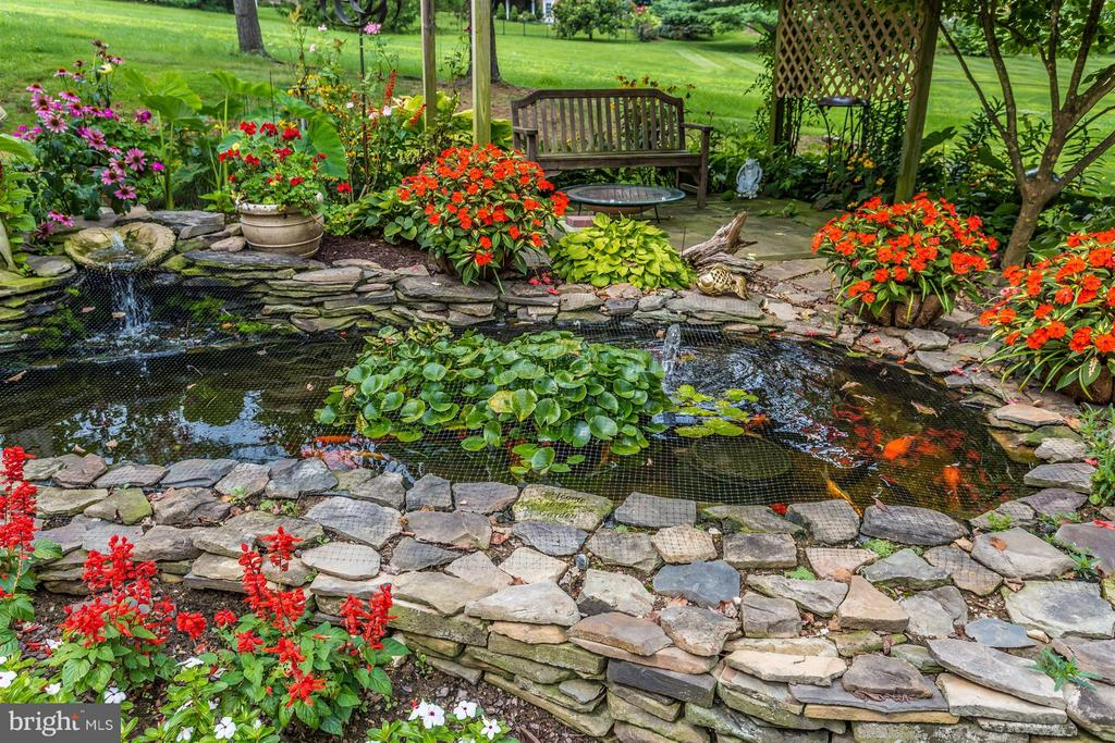 Fabulous Koi pond. - 11317 SANANDREW DR, NEW MARKET