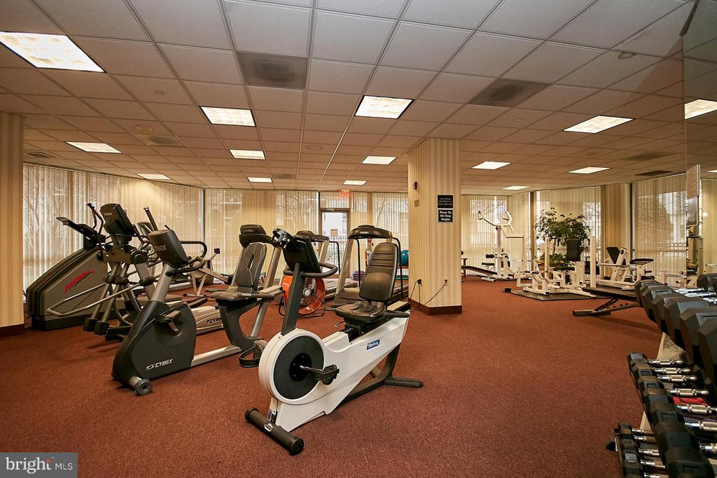 Fitness Center - 901 MONROE ST N #1310, ARLINGTON