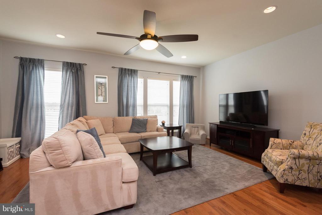 Living Room - 43507 WHEADON TER, CHANTILLY