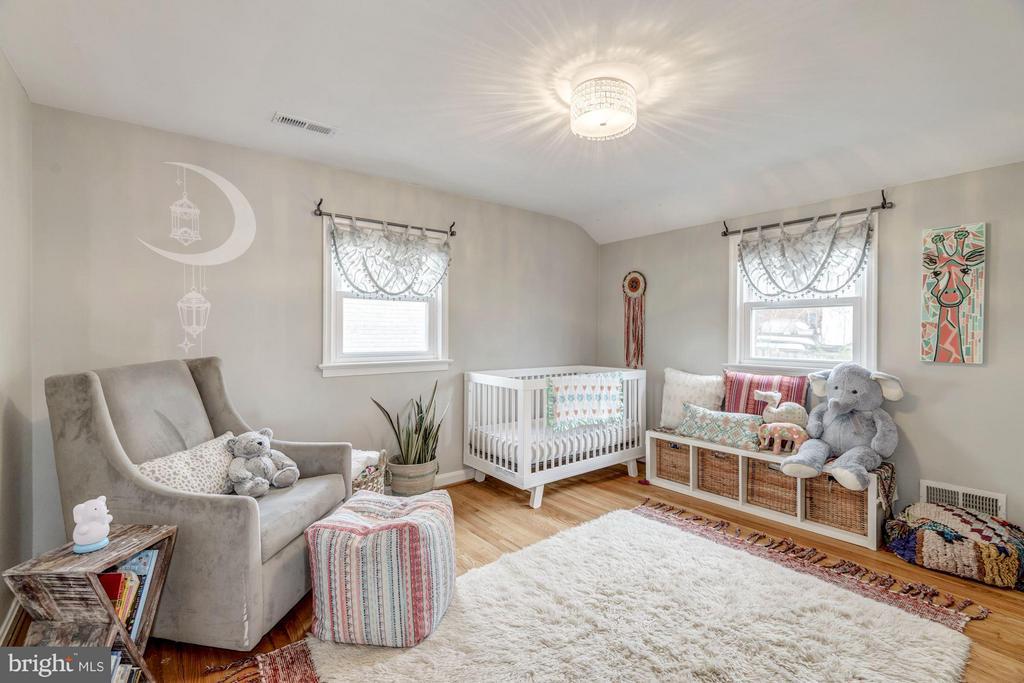 Bedroom with Hardwood Floors - 2707 HOLLY ST, ALEXANDRIA