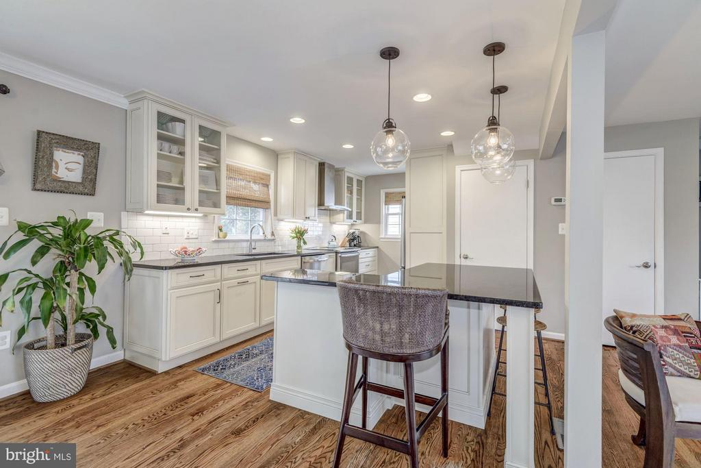 Kitchen Newly Renovated in 2016 - 2707 HOLLY ST, ALEXANDRIA