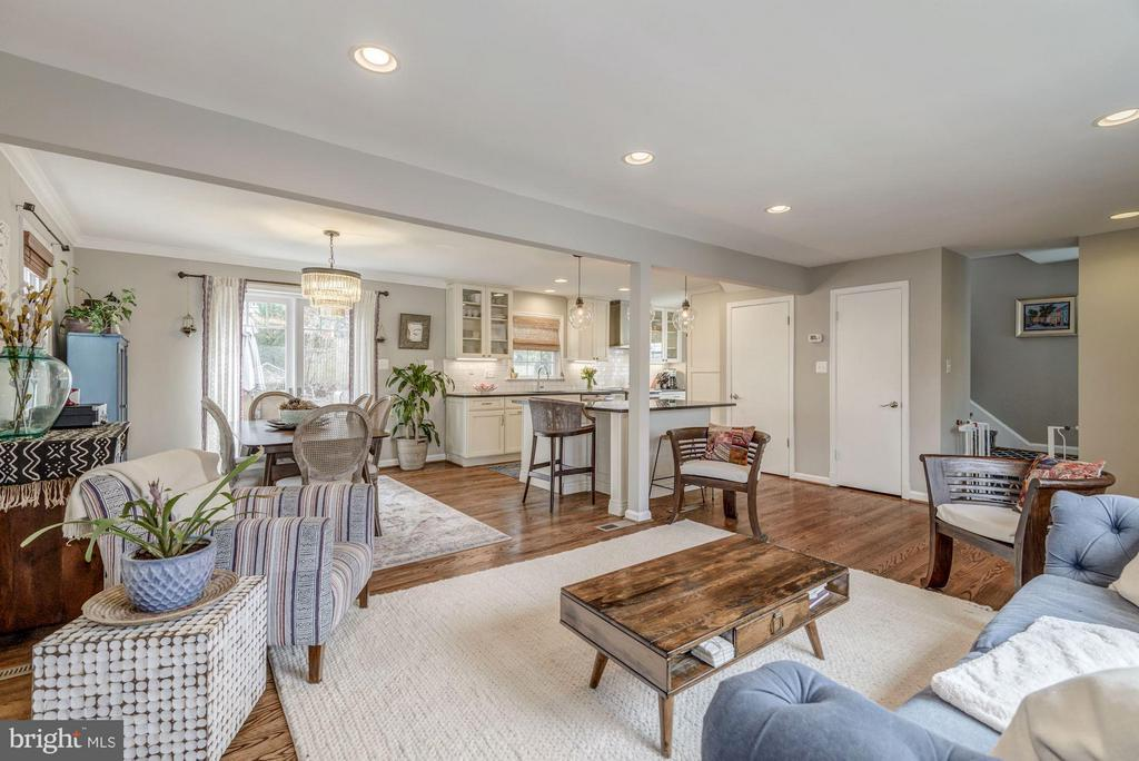 Recessed Lighting Throughout Main Level - 2707 HOLLY ST, ALEXANDRIA