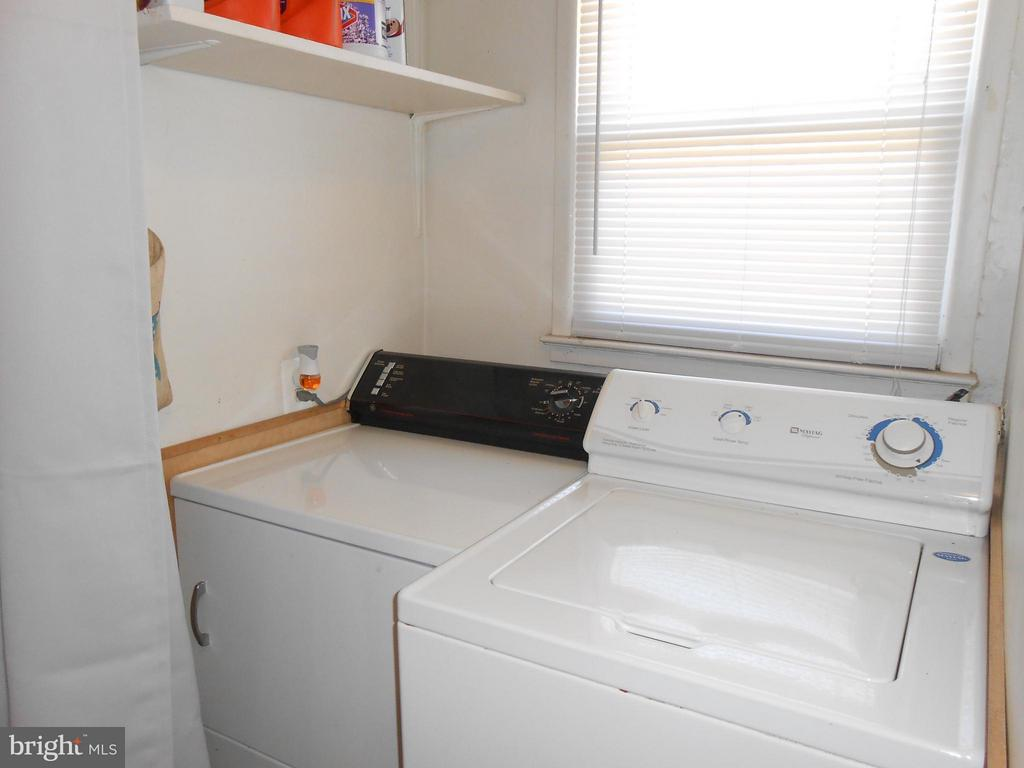 Washer and Dryer Convey - 156 HOLDEN DR, MANASSAS PARK