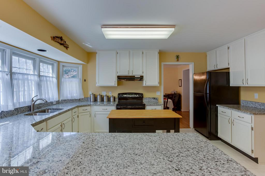 New Granite Countertops, Kitchen Island - 94 NORTHAMPTON BLVD, STAFFORD
