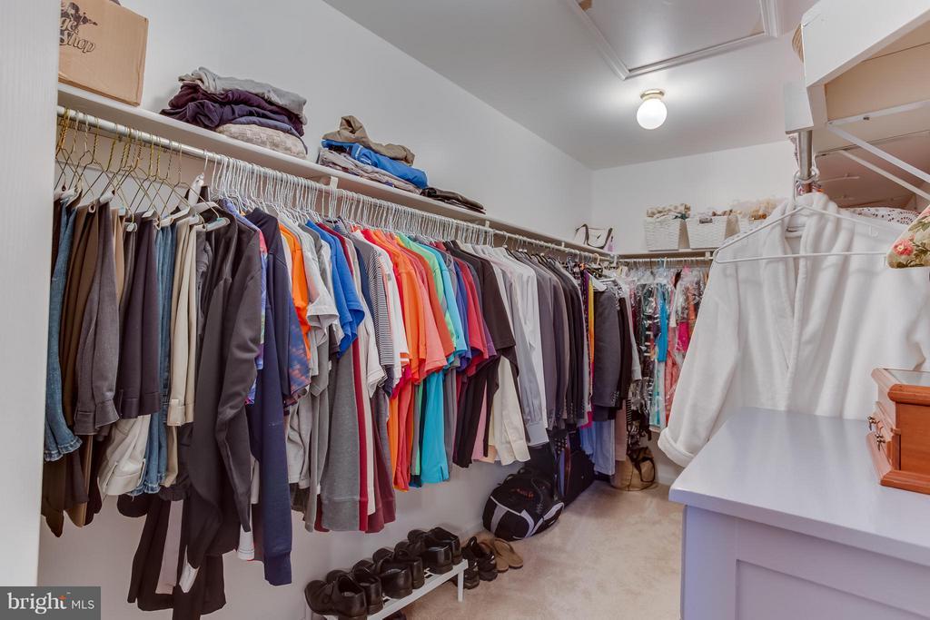 Walk In Closet - 94 NORTHAMPTON BLVD, STAFFORD