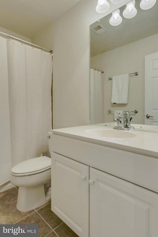 2nd Full Bath - 14809 POTOMAC BRANCH DR #96A, WOODBRIDGE