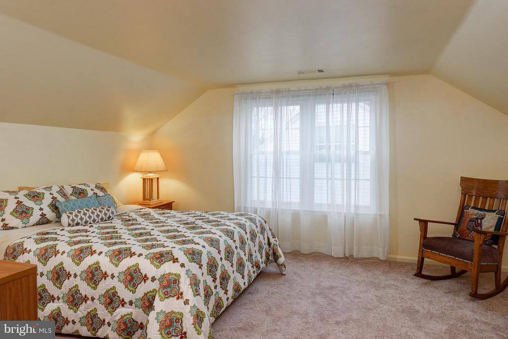 Huge Bedrooms - 5527 CEDAR BREAK DR, CENTREVILLE
