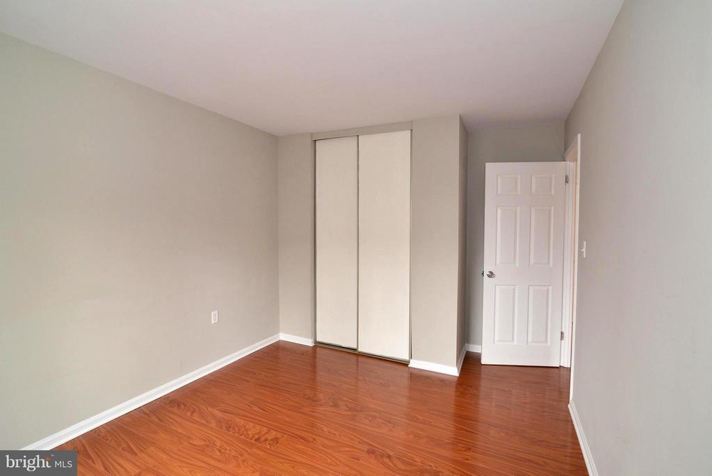 Bedroom 1 - 325 NANSEMOND ST SE, LEESBURG
