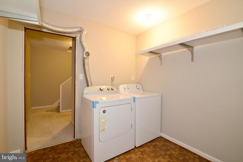 Laundrey room - 325 NANSEMOND ST SE, LEESBURG