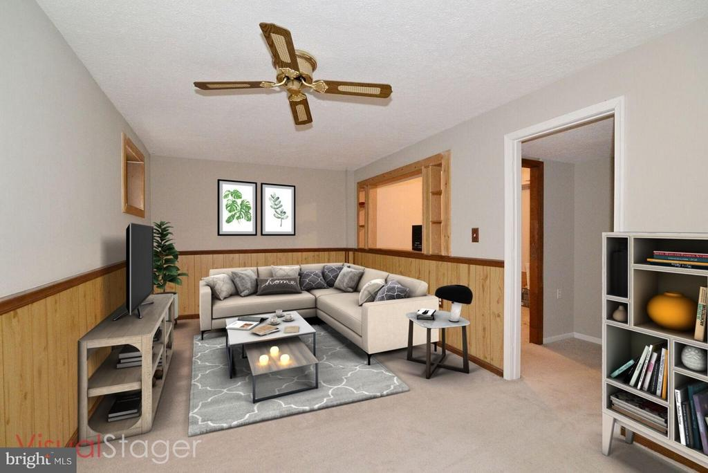 Rec,Rm vertually staged gives idea of furnitue - 325 NANSEMOND ST SE, LEESBURG