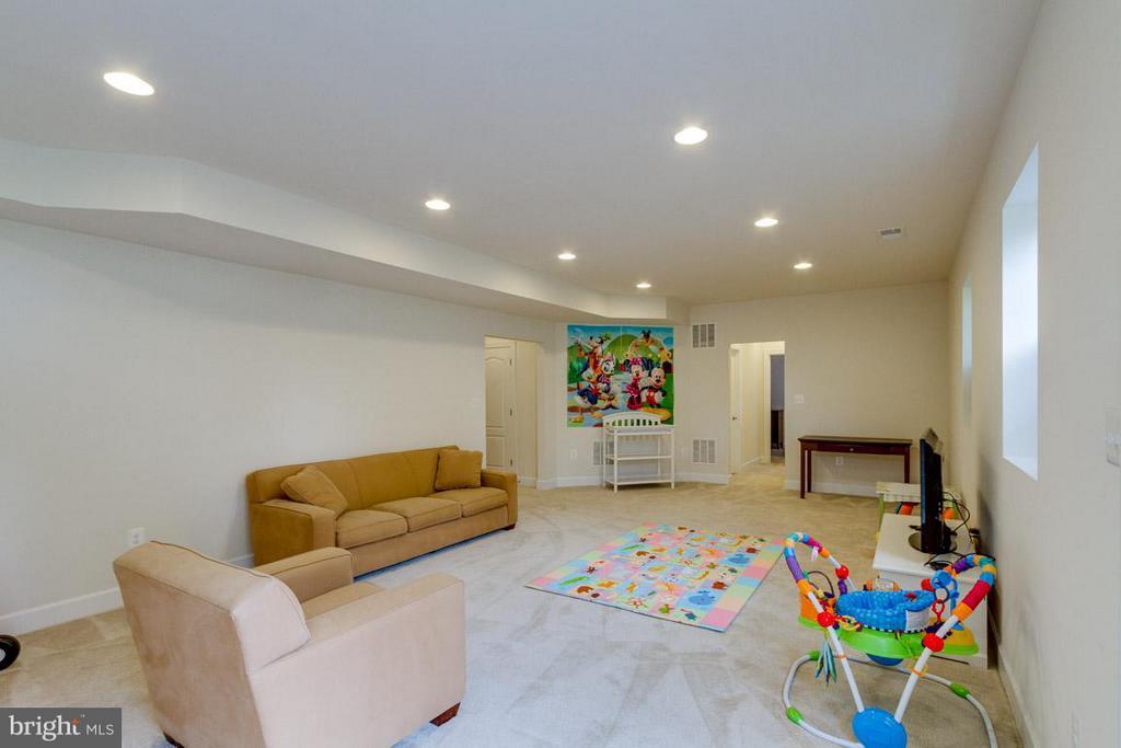 Recreation Room in Basement - 7617 CHESTNUT ST, MANASSAS