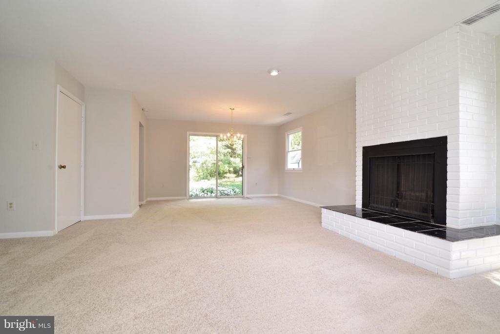 living / dining room with  door to basement - 1907 WARE RD, FALLS CHURCH