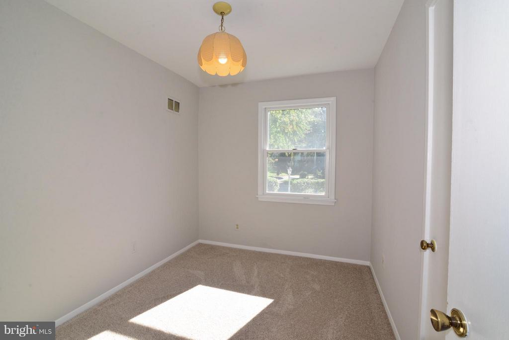 1st  Bedroom - 1907 WARE RD, FALLS CHURCH
