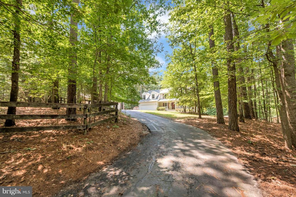 seclusion and privacy - 12640 ISLE OF PINES BLVD, FREDERICKSBURG