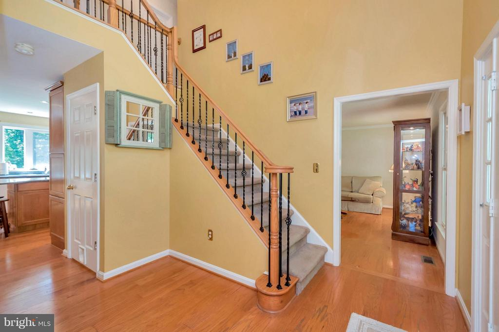 2 story foyer - 12640 ISLE OF PINES BLVD, FREDERICKSBURG