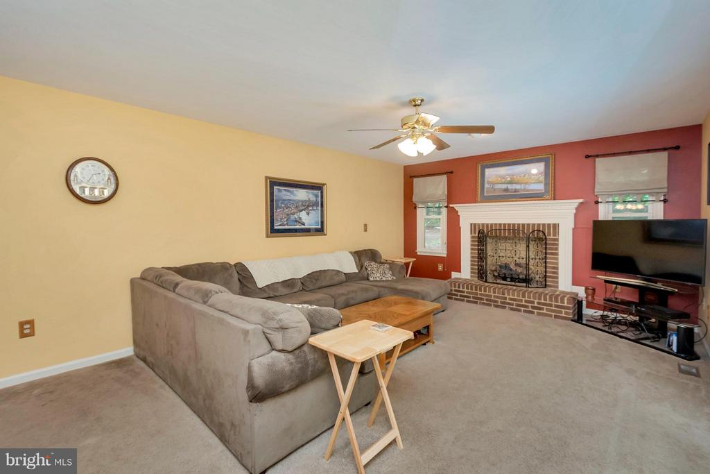 Family Room with gas fireplace - 12640 ISLE OF PINES BLVD, FREDERICKSBURG