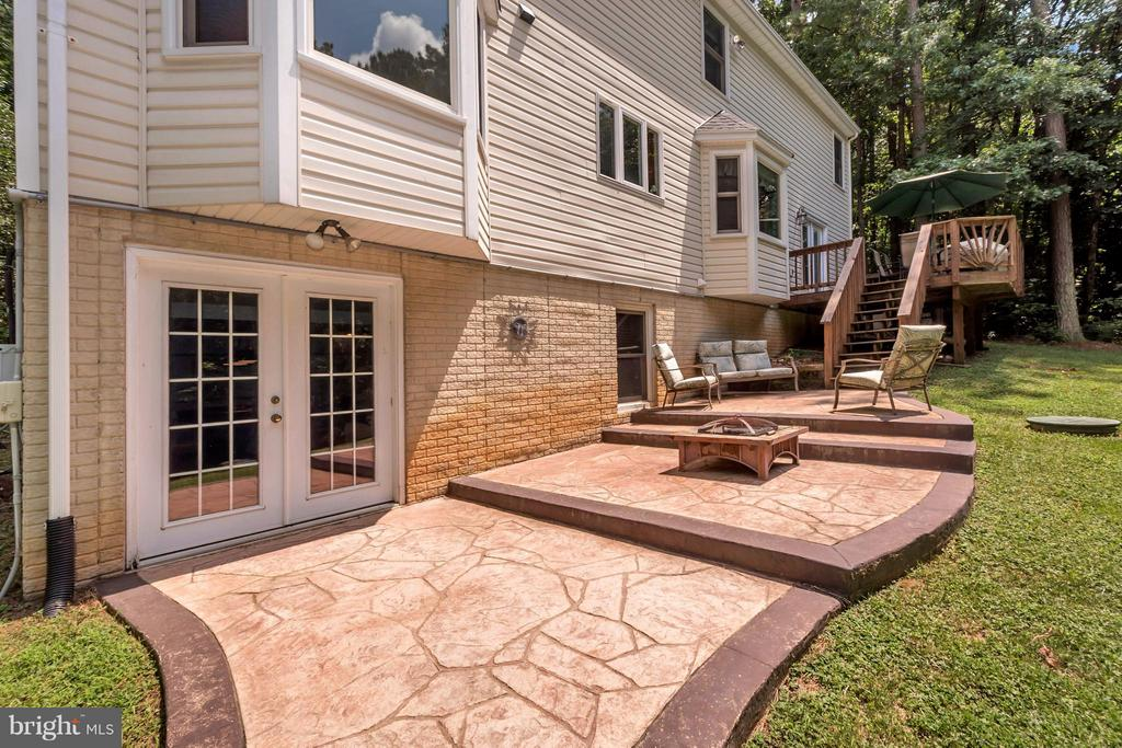multi level stamped concrete patio - 12640 ISLE OF PINES BLVD, FREDERICKSBURG