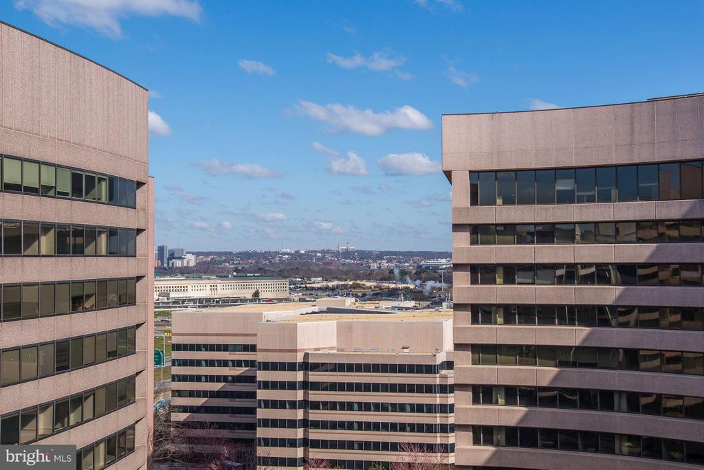 Westerly view of Arlington and the District. - 1300 CRYSTAL DR #1610S, ARLINGTON
